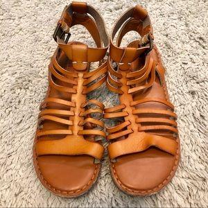 American Eagle Sandal's - Tan Size 8